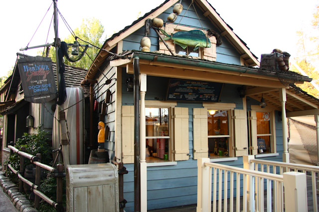Harbor Galley Setting is the perfect place to grab lunch for a quiet spot in view of Tom Sawyer's Island.