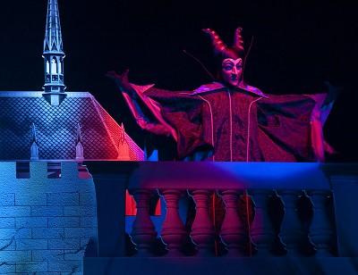 [Hong Kong Disneyland] Disney's Haunted Halloween (depuis 2007) - Page 3 Halloween-10-0